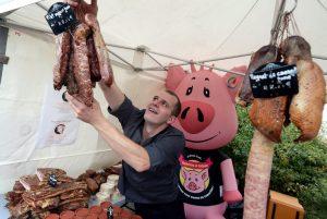 Franchou le cochon à la boucherie